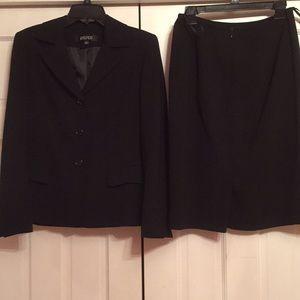 Kasper skirt suit EUC
